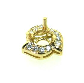 Picture of Three prong round center pendant