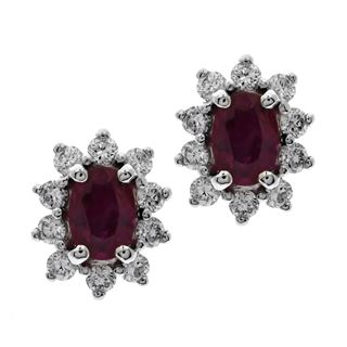 Picture of Oval center with four prongs earrings