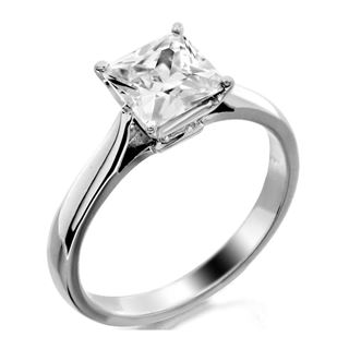 Picture of Princess cut 4 prong head solitaire ring
