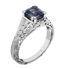 Picture of  Antique ring Radiant center stone 2